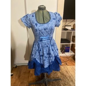 Hot Topic Beauty and the Beast dress